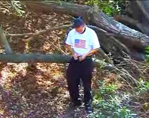 Un mec dans les bois